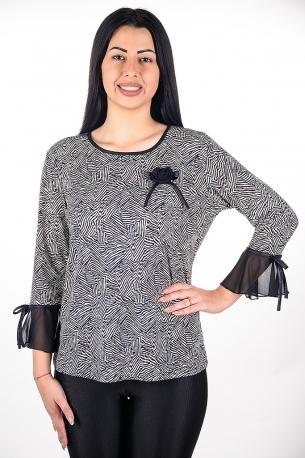 Блуза подходяща за официални поводи с розичка от шифон.