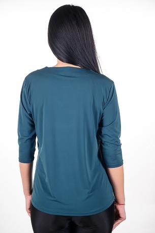 Официална блуза с гердан.