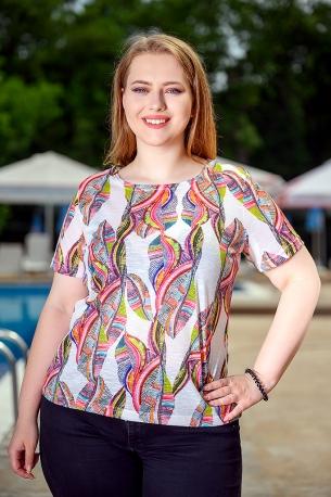 Свежа блуза с оригинален принт (бял)