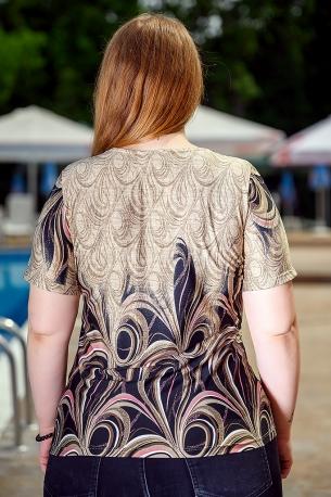 Свежа блуза с оригинален принт (бежов)