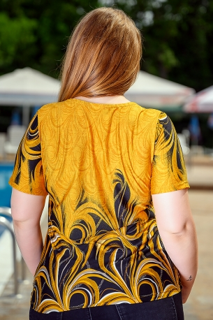 Свежа блуза с оригинален принт (жълт)