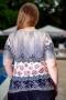 Свежа блуза с оригинален принт (шампанско)